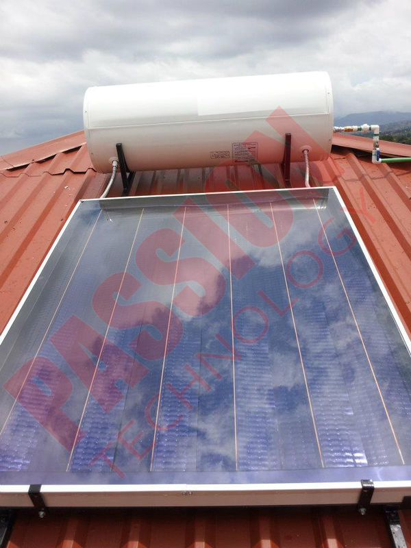 Rooftop Pressurized Flat Plate Solar Water Heater , Solar Powered Heater Blue Film Coating